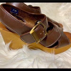 1674f5e39fff3 Famolare Italy Italian Leather Wavy Wedges